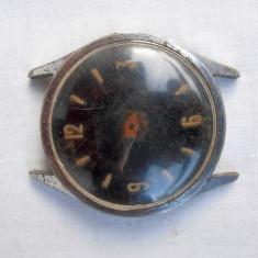 Ceas mecanic,Wostok, rusesc,barbatesc,cadran negru