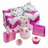 Set cadou Glitter Gift, Bomb Cosmetics, Mac