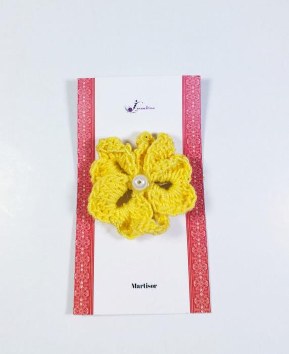 Martisor Brosa Crosetat Manual, Trifoi, Galben, 4 cm