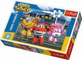 Cumpara ieftin Puzzle Super Wings - Prieteni in hangar, 30 piese, Trefl