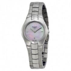 Ceas de damă Tissot T-Classic Tradition T096.009.11.151.00 / T0960091115100