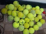 Mingi de tenis de camp diferite marci
