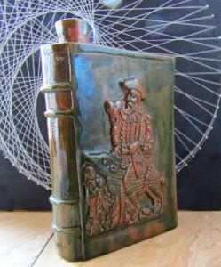 Ceramica studio Don Quijote.Semnata si datata 1980.D:22/15.Rara.