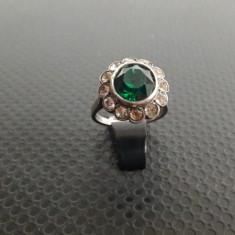 inel vechi de argint cu zircorniu verde