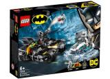 LEGO DC Super Heroes - Mr. Freeze in batalia pe batcycle 76118
