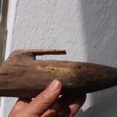 Teaca de cute pentru coasa,lucrata manual din lemn.
