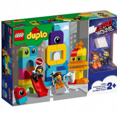 Set de constructie LEGO DUPLO Vizitatorii de pe planeta DUPLO