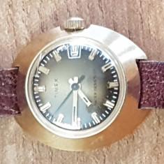 ceas mana dama Timex