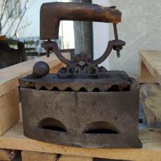 Ticlazau, fier călcat vechi