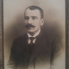 Portret barbat// CDV L.A. Hirsch Ploesci, Fotoglob Electric