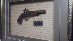 Panoplie pistol, tablou arme,cu gloante tablou,MARIME 50 x 45 cm foto