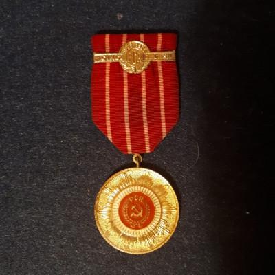Lot 3 medalii comuniste foto