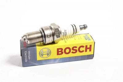 Bujie aprindere scanteie Dacia Logan, Sandero benzina Bosch 9002 foto