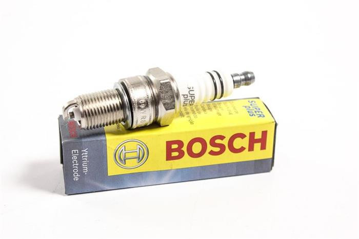 Bujie aprindere scanteie Dacia Logan, Sandero benzina Bosch 9002