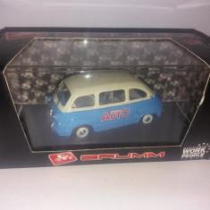 Macheta Fiat 600 Multipla - 1956 scara 1:43 BRUMM