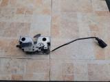 Incuietoare capota motor Skoda Rapid