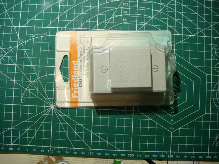 Transformator de retea 8v/1A. /nou