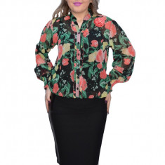 Bluza neagra din voal cu motive florale in nuanta de verde si rosu