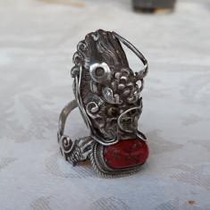 INEL argint DRAGON IMPERIAL chinezesc NOBILIAR cu CORAL si ONIX antic UNICAT