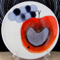 Farfurie veche,ceramica semnata Ursula Schneider-Rabisula(1948 - 1978)D 20cm.