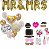Cumpara ieftin Pachet accesorii nunta si baloane litere aurii Mr si Mrs, Pufo