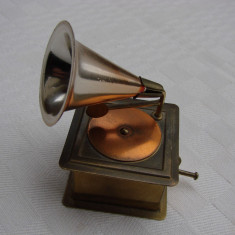 Gramofon in miniatura