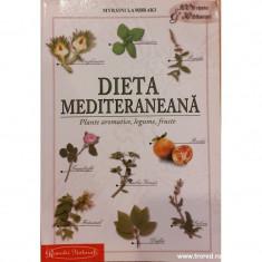 Dieta mediteraneana. Plante aromatice, legume, fructe foto