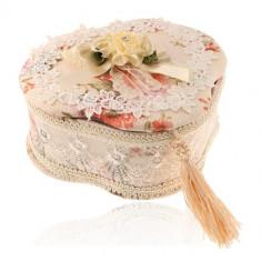 Šperkovnica - trojlístok, motív kvetov, čipka a zrkadielko
