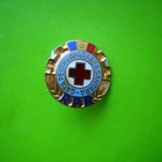 HOPCT ROMANIA  INSIGNA VECHE GATA PENTRU APARAREA SANITARA RPR TRICOLOR  [ 6X]