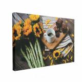 Cumpara ieftin Tablou Canvas Cafea Lângă Floarea Soarelui, CanvasGift