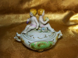 Cutie bomboniera portelan bisque Majolica, sec 19 amorasi colectie
