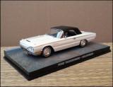 Macheta Ford Thunderbird Cabriolet (1965) 1:43 Universal Hobbies