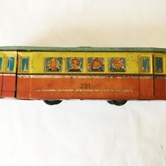 Tramvai Agatex, jucarie romaneasca veche, de tabla, anii 80