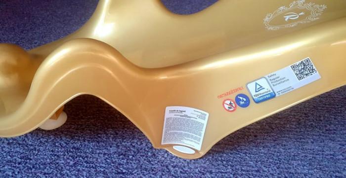 Suport de baie scaun tip fotoliu mic din plastic pentru imbaiat bebelusul, nou