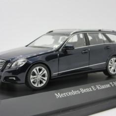 Macheta Mercedes E Klasse T modell Schuco 1:43