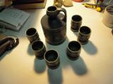Vas din ceramica cu H= 16.5cm si 6 pahare pentru tuica cu H=7cm fab. in Romania