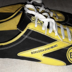Papuci/slapi barbati cu BVB Borussia Dortmund,marimea 46
