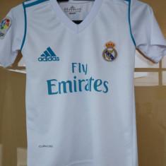 Echipament copii Real Madrid 5-13 ani (embleme brodate )