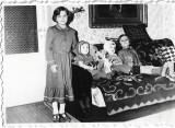 Copii cu jucarii Romania comunista