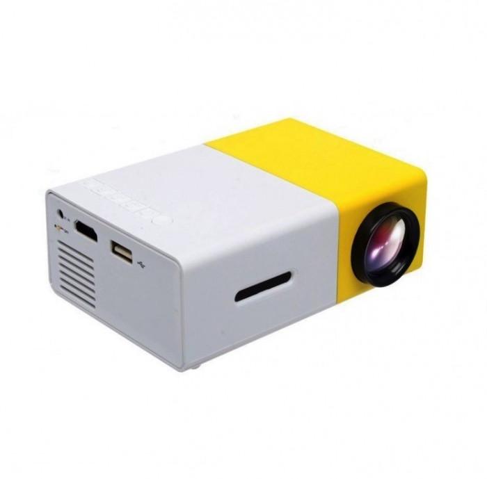 Mini videoproiector portabil YG300 cu slot USB si slot microSD