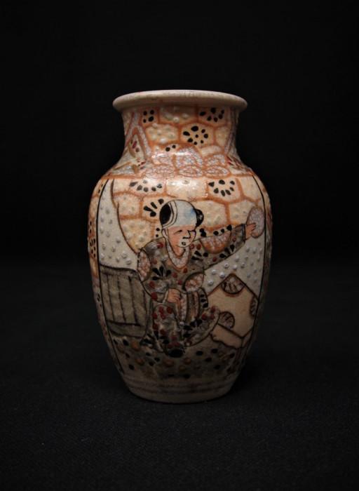 Veche vaza ceramică miniaturală Satsuma   sfârșitul sec. XIX   Japonia