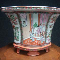 Eleganta jardiniera veche din porțelan chinezesc