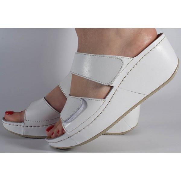Saboti/Papuci MUBB albi din piele naturala (cod 6680.1)