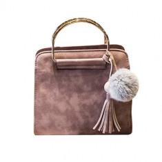 Geanta dama din piele + acesoriu puf + accesoriu franjuri, culoare roz