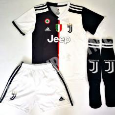 Compleu Echipament pt. copii 5-15 ani Juventus Ronaldo Dybala model 2019-2020