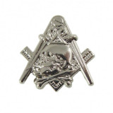 Cumpara ieftin Pin Masonic Skull and Bones Argintiu PIN045