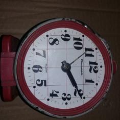 Ceas vechi mecanic de masa,Ceas incomplet pt.piese,URSS,Rusesc,Defect,T.GRATUIT