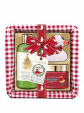Cumpara ieftin Set cadou Baylis & Harding The Fuzzy Duck Winter Wonderland (Crema de dus, 300 ml + Unt de corp, 250 ml + Cos de rachita)