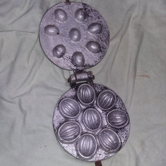 Matrita veche prajituri,forma de prajituri veche NUCI Maiva,T.GRATUIT