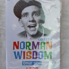 NORMAN WISDOM - OMUL ZILEI  - DVD COMEDIE SIGILAT .